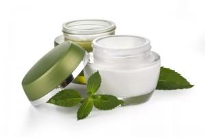 Гиалуроновая кислота: зачем она в косметике?